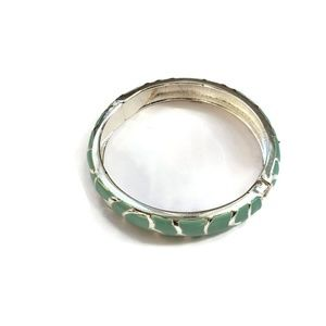 Jewelry - Turquoise colored clasp bracelet
